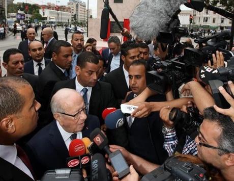 تونس: تفكيك خلية إرهابية تضم 14 عنصراً.. والقضاة يعتصمون