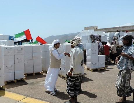 «خليفة الإنسانية» تختتم جسرها الجوي إلى جزيرة سقطرى اليمنية