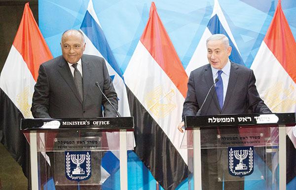 شكري من إسرائيل: حل الدولتين ليس بعيد المنال