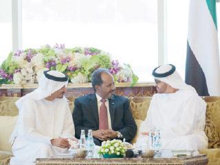 محمد بن زايد: الإمارات بقيادة خليفة تقف إلى جانب الشعب الصومالي لتحقيق الأمن والاستقرار