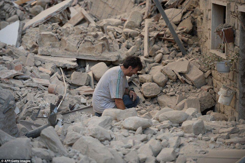 وفاة 37 في زلزال هز وسط إيطاليا