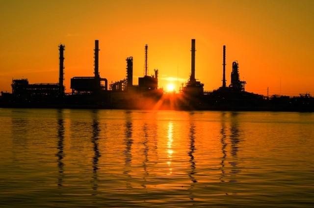 السعودية تلمح إلى رفع إنتاج النفط لمستوى قياسي