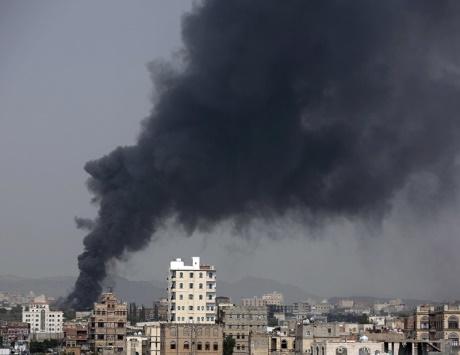التحالف يطبق على الانقلابيين في صنعاء ويغلق المطار