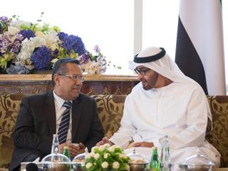 محمد بن زايد يشيد بمتانة العلاقات الأخوية مع اليمن