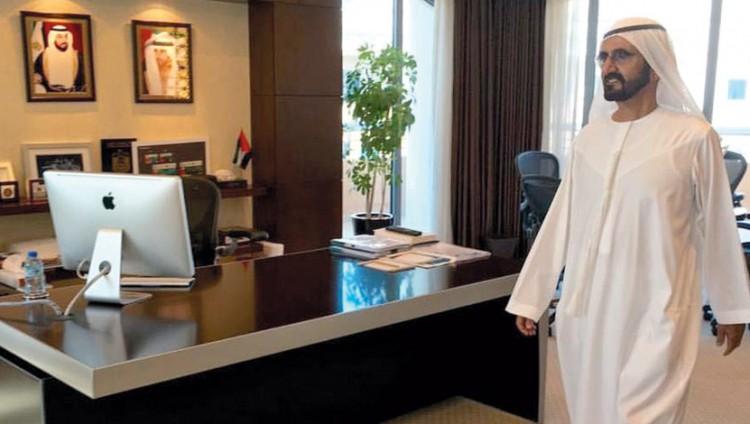 زيارة مفاجئة من محمد بن راشد لـ4 دوائر حكومية