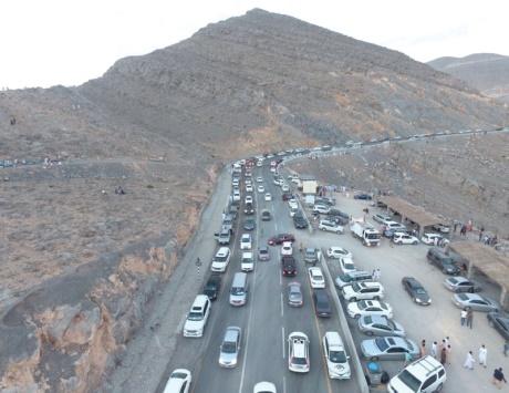 22 ألف سيارة على طريق «جبل جيس» في العيد