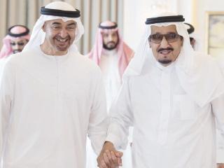 محمد بن زايد: مواقف خادم الحرمين الشريفين أعادت للعرب والمسلمين روح التلاحم والتكاتف