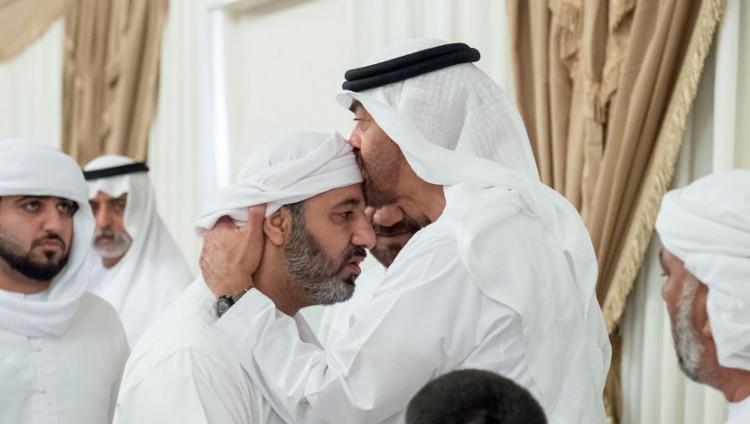 محمد بن زايد: تضحيات شهدائنا لها مكانة عالية في أعماق قلوبنا