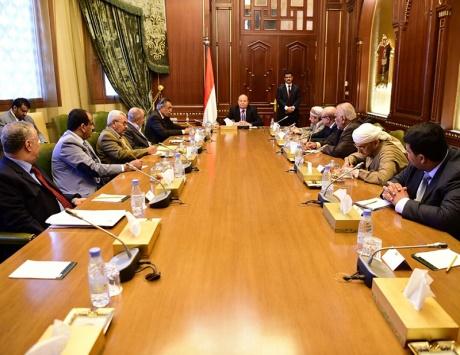 الحكومة اليمنية للحسم العسكري إذا رفض الانقلابيون خطة كيري