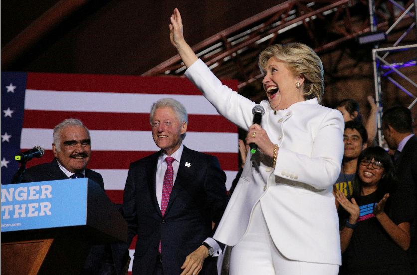 """كلينتون: ترامب هو المرشح الرئاسي """"الاكثر خطرا"""" في التاريخ الاميركي"""