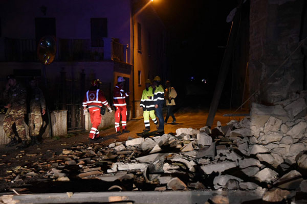 ثلاثة زلازل تضرب وسط إيطاليا وتخلف دماراً واسعاً