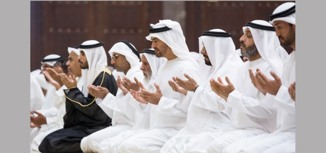 محمد بن زايد: مساجد الإمارات تجسّد منابر الخير والتسامح والوسطية