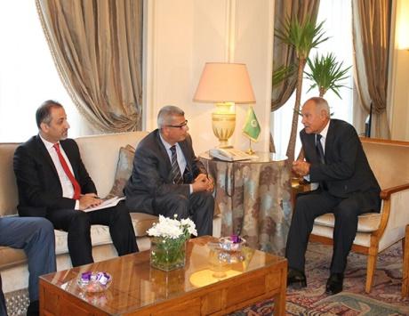 الجامعة العربية تؤكد مساندتها الكاملة لقضية الأسرى الفلسطينيين