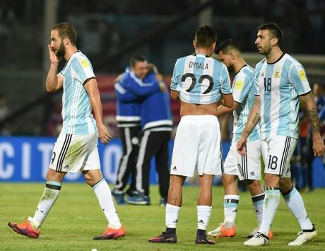 خسارة مذلة للأرجنتين.. والبرازيل تتصدر «أمريكا الجنوبية»