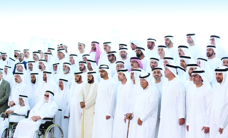 محمد بن زايد :  الإمارات بقيادة خليفة وظفت أجهزتها لخدمة هدف واحد هو المواطن