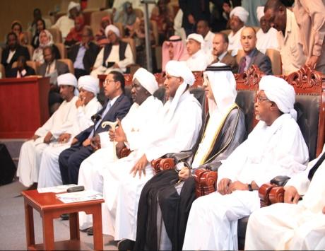 جهود مكثفة لسلطان في دعم الثقافة العربية