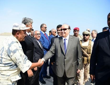 الرئيس اليمني يصل إلى عدن وولد الشيخ يزور الرياض