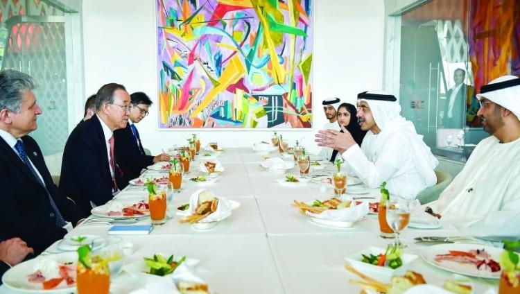 عبدالله بن زايد: حريصون على تعزيز الشراكات مع المؤسسات التنموية والإنسانية