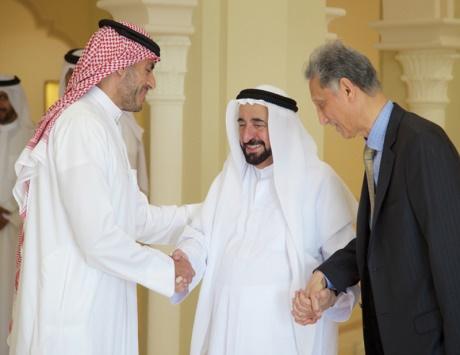 سلطان: الشارقة تنشر الثقافة السلمية المعتدلة لتوعية الأجيال