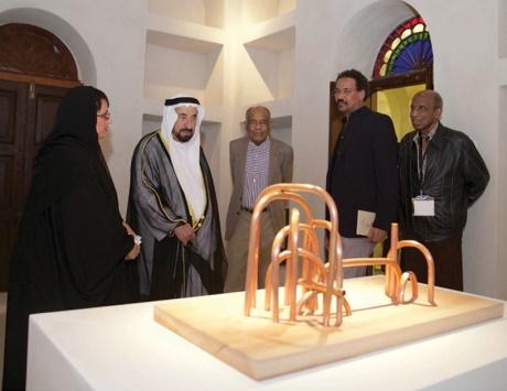 سلطان يفتتح 3 معارض في مؤسسة الشارقة للفنون