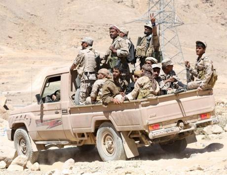 تعز: الشرعية تحكم حصار «التشريفات» وتقترب من القصر الجمهوري