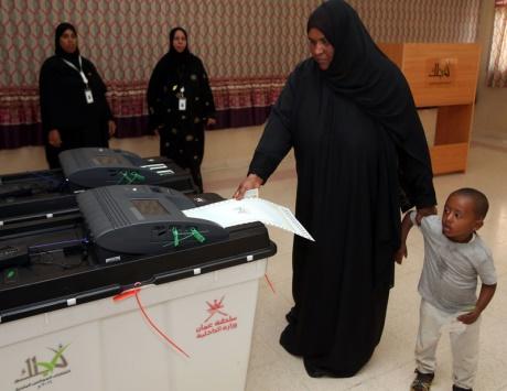 إقبال واسع على الانتخابات البلدية بسلطنة عمان