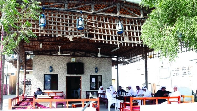 مقهى «منور» في رأس الخيمة.. رائحة القهوة من ماضي الأجداد