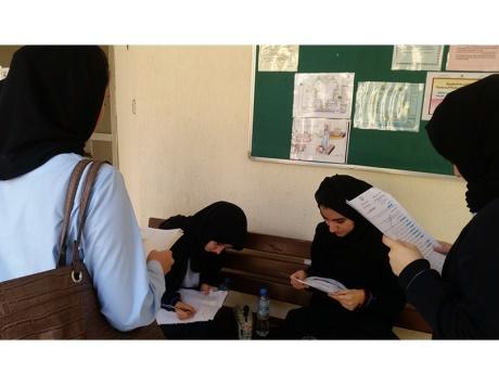 «الأحياء» و«الدراسات الاجتماعية» أسهل من المتوقع في لجان أبوظبي