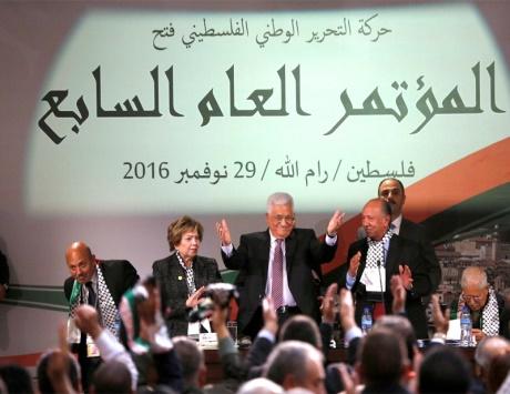 عباس: قطعنا شوطاً من الإنجازات ونخطو نحو الاستقلال