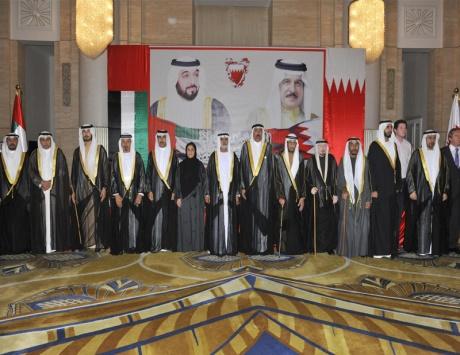 نهيان بن مبارك ولبنى القاسمي يحضران حفل سفارة البحرين