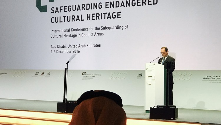 """هولاند: """"اللوفر أبوظبي"""" يحمي التراث الإنساني"""