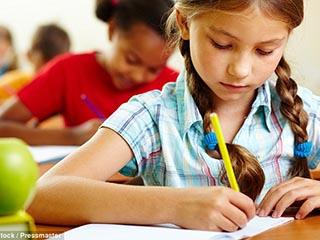 دراسة بريطانية : الأطفال يعملون لساعات أطول من آبائهم