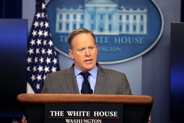 البيت الأبيض : وسائل الإعلام تلاعبت بالصور لتقليل عدد المشاركين في حفل تنصيب ترامب