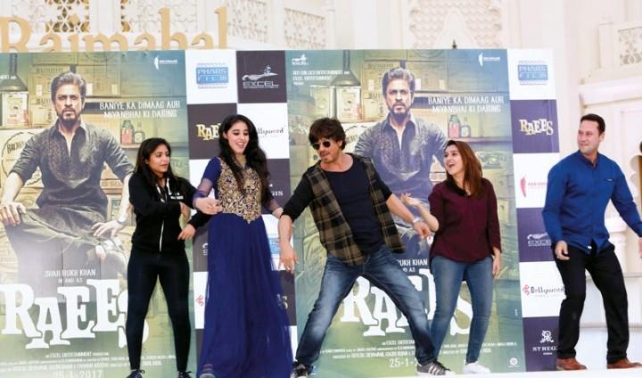 شاروخان يطلق فيلمه «ريــس» في دبي
