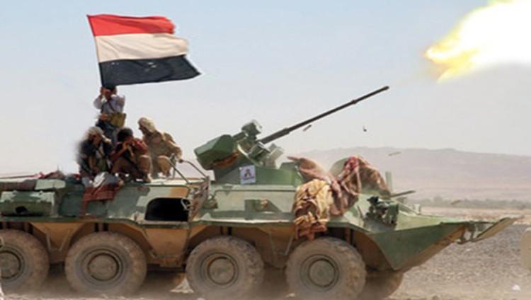 الحوثيون يهجرون 115 أسرة من قرية في تعز