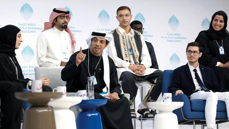 منصور بن زايد يعلن استراتيجية الشباب العربي