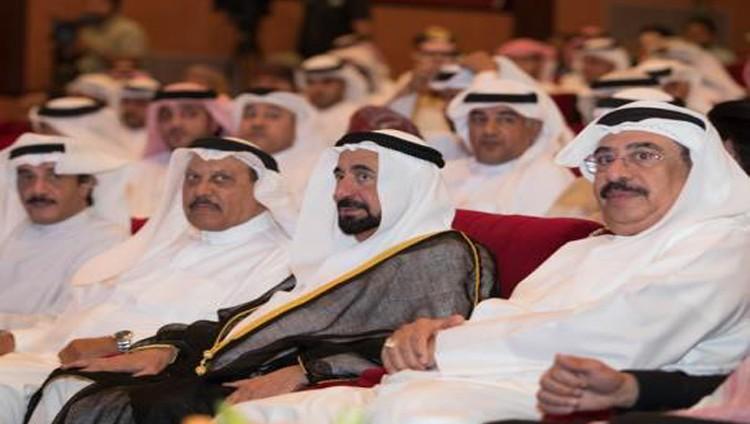 سلطان: نحن زائلون والمسرح باقٍ