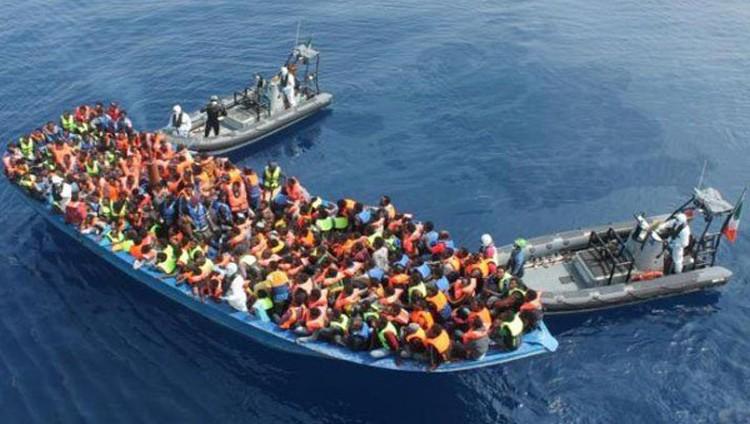 إنقاذ 3 آلاف مهاجر قبالة السواحل الليبية