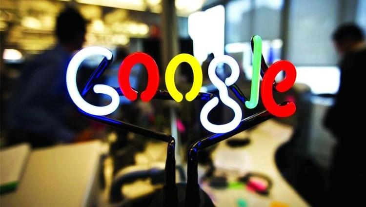 «غوغل» تفتح أندرويد للمنافسين في روسيا