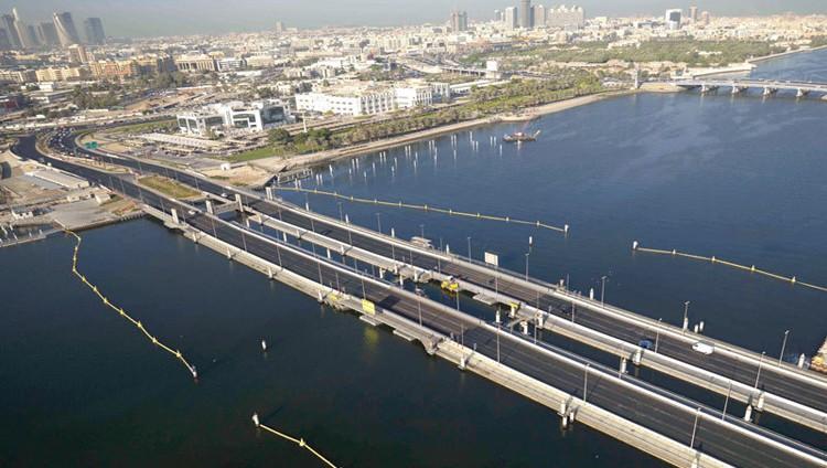 تمديد إغلاق الجسر العائم أيام الجمع