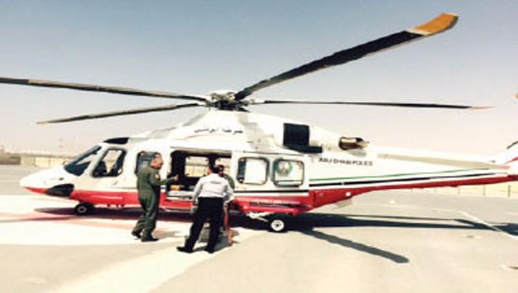 شرطة أبوظبي تنقذ 4 مواطنين تعطل قاربهم في عرض البحر
