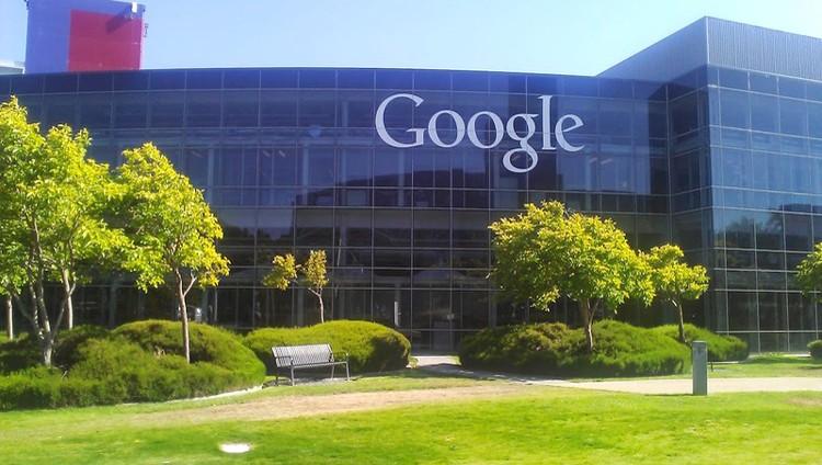 «غوغل» تعزز مكافحة الأخبار المزيفة