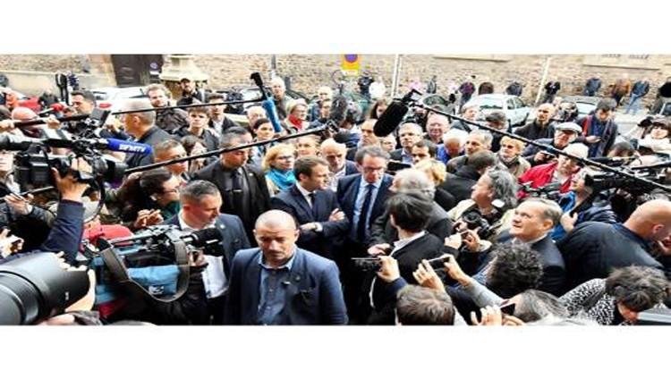 ماكرون يعزز حظوظه في آخر يوم للحملات الانتخابية في فرنسا