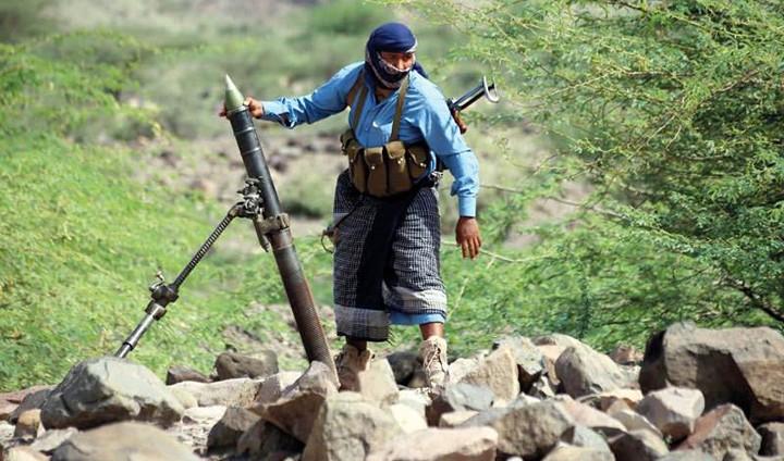 «الشرعية» تقترب من حسم جبهات تعز.. وتوتر أمني في صنعاء