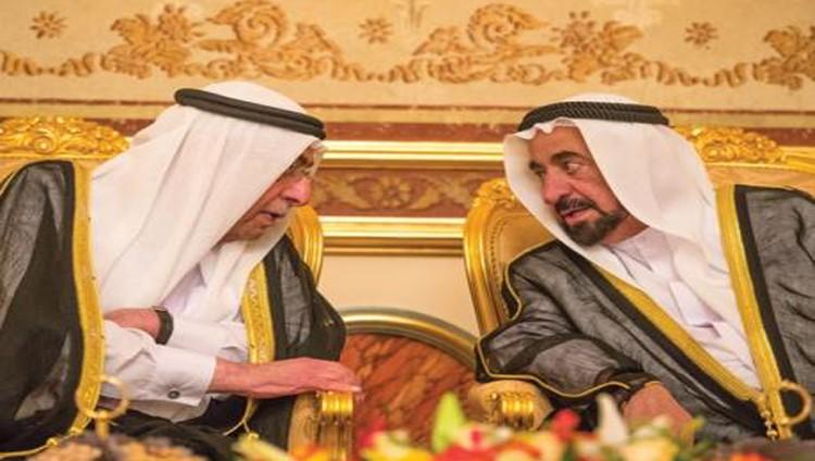 سلطان يستقبل المهنئين ويتبادلون التبريكات بشهر رمضان