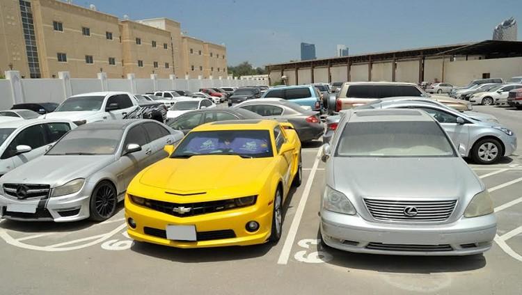 شرطة أبوظبي: آلية جديدة لحجز المركبات في عهدة مالكها