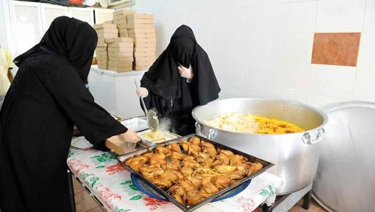 مواطنات يدخلن عالم الأعمال عبر «إفطار صائم»