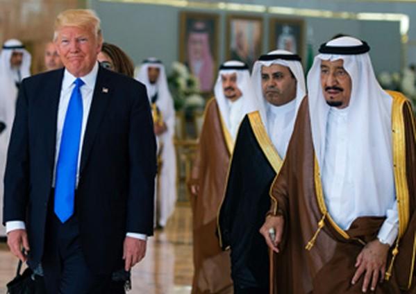 العاهل السعودي لترامب: زيارتكم تعزز تعاوننا