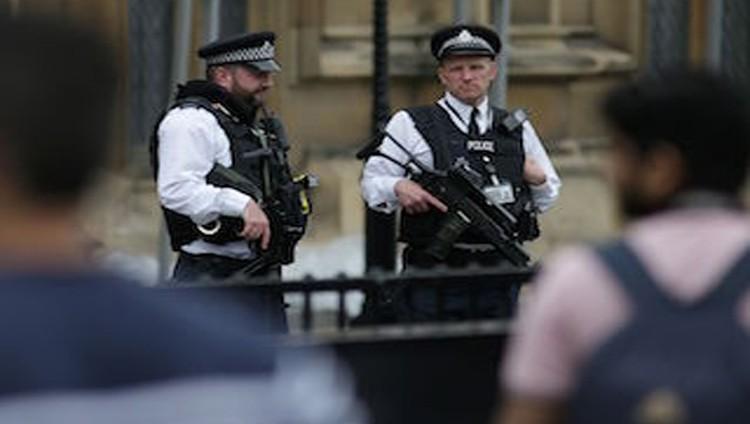 صحيفة: 3 آلاف متشدد يعيشون في بريطانيا أغلبهم مراهقون وشباب