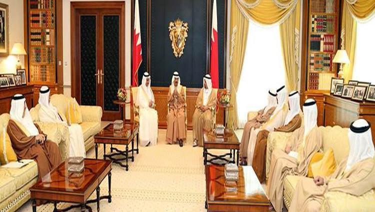 رئيس الوزراء البحريني يشيد بمواقف الامارات والسعودية تجاه البحرين